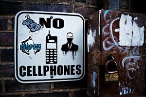 No cellphones, by Oscar Anton, www.oscaranton.com