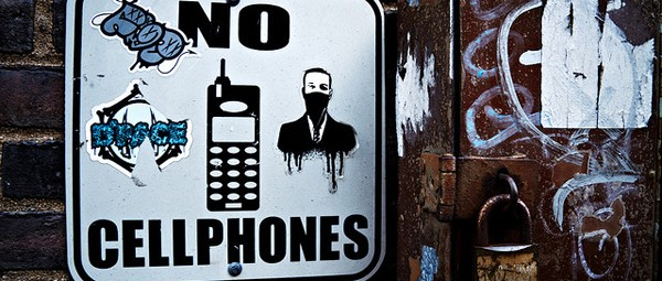 No cellphones, by Oscar Anton, www.oscaranton.com