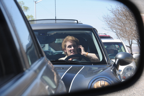 Cellphone driver. Photo © James Legans, Jr., creative commons